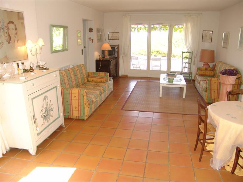 Location vacances maison / villa La croix valmer 770€ - Photo 6