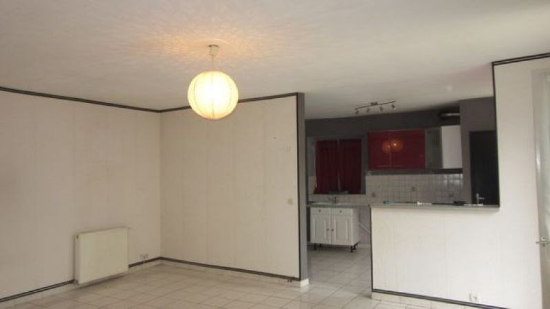 Location maison / villa Pussay 660€ CC - Photo 3