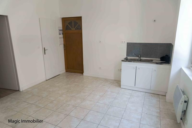 Rental apartment Nantua 220€ CC - Picture 2