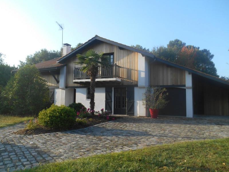 Deluxe sale house / villa La brede 715000€ - Picture 2