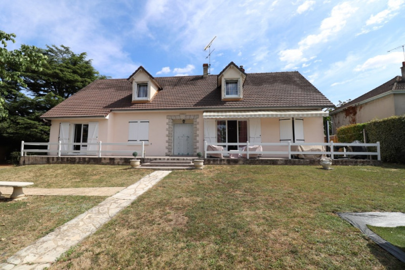 Sale house / villa Amilly 233000€ - Picture 1