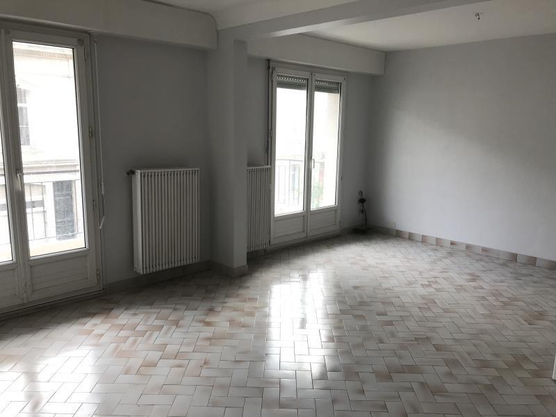 Sale apartment La roche sur yon 118000€ - Picture 2
