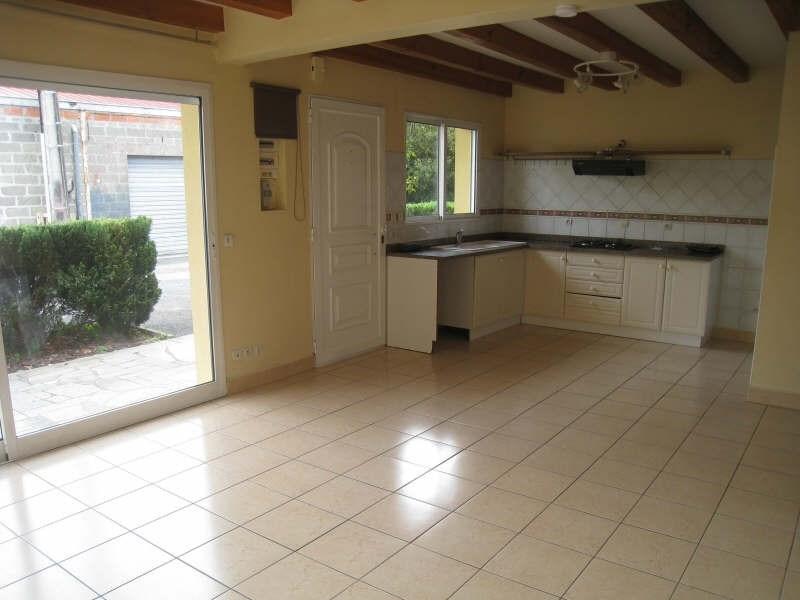 Location maison / villa Ares 875€ CC - Photo 2
