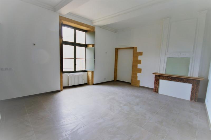 Rental apartment Meyrargues 1176€ CC - Picture 3