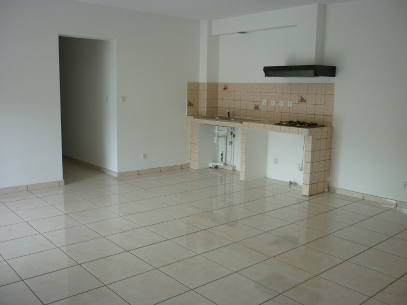 Rental apartment L etang sale 585€ CC - Picture 3