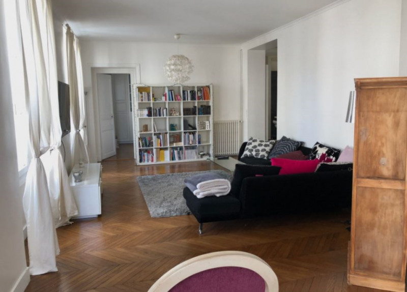 Sale apartment Paris 10ème 1 145 000€ - Picture 1