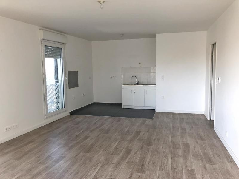 Rental apartment Cergy 973€ CC - Picture 3