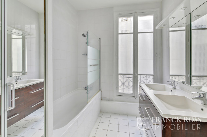 Rental apartment Paris 16ème 2 595€ CC - Picture 10