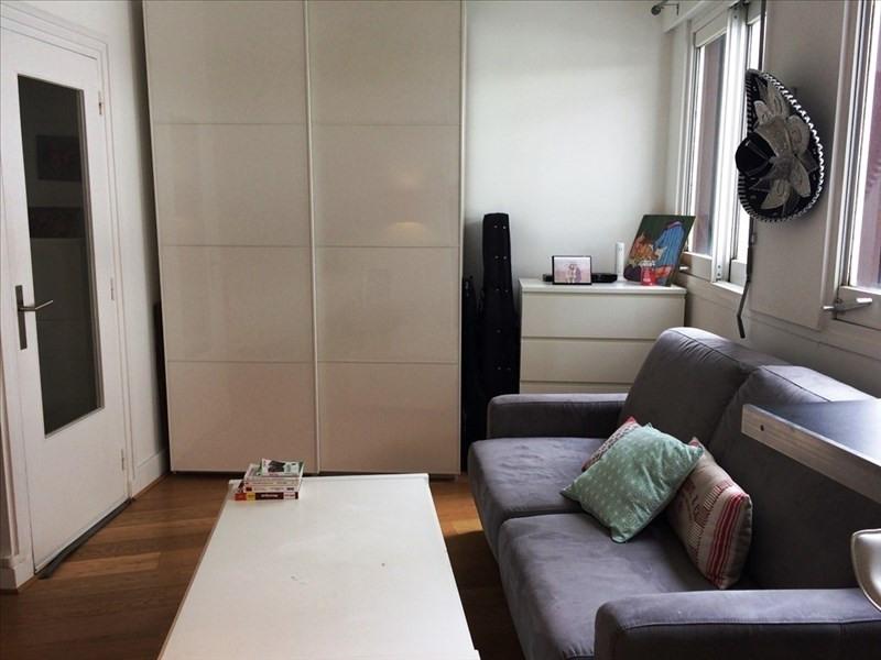 Sale apartment Paris 15ème 325000€ - Picture 2