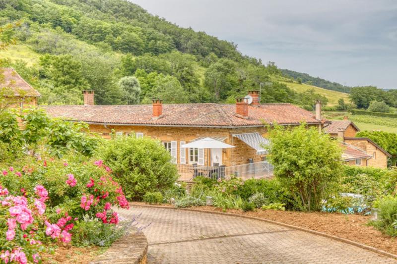 Proche Villefranche, belle propriété en pierres dorées de 28