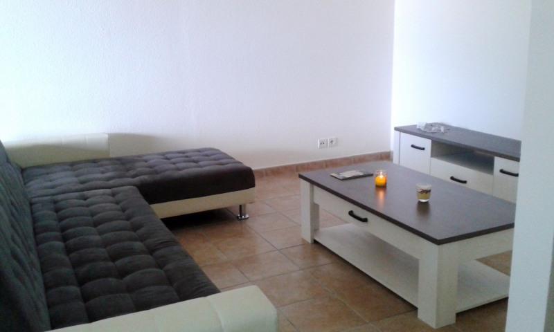 Rental apartment Gourbeyre 854€ CC - Picture 5