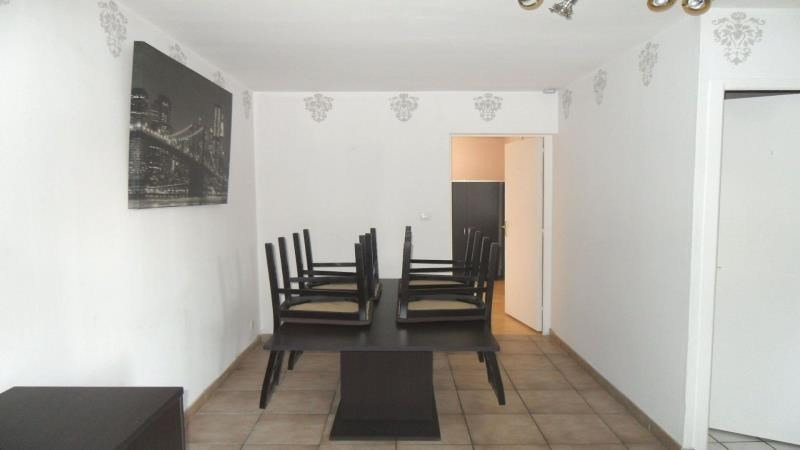 Rental apartment Troyes 382€ CC - Picture 1