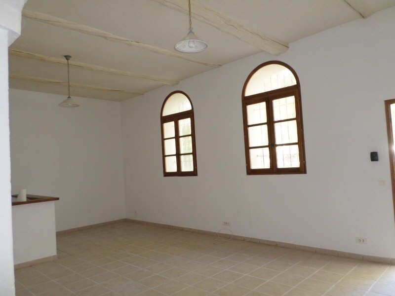 Rental apartment Eyguieres 635€ CC - Picture 6
