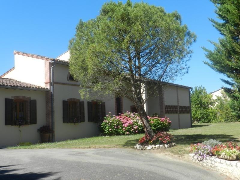 Sale house / villa L isle jourdain 488000€ - Picture 3