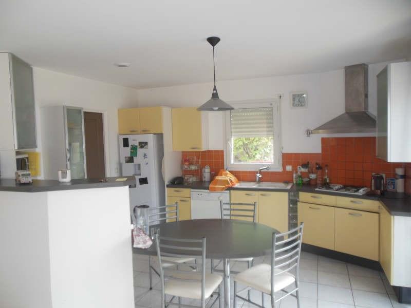 Sale house / villa Vouille 198900€ - Picture 4