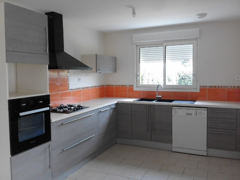 Rental house / villa Montchaude 830€ CC - Picture 2