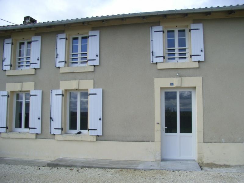 Rental house / villa Brie-sous-archiac 635€ CC - Picture 1