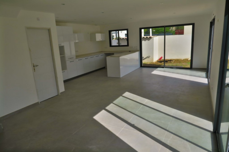 Vente maison / villa Ventabren 367500€ - Photo 1
