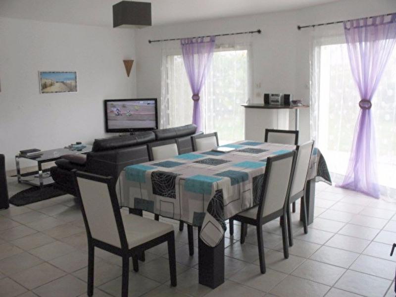 Sale house / villa Chaillevette 225000€ - Picture 2
