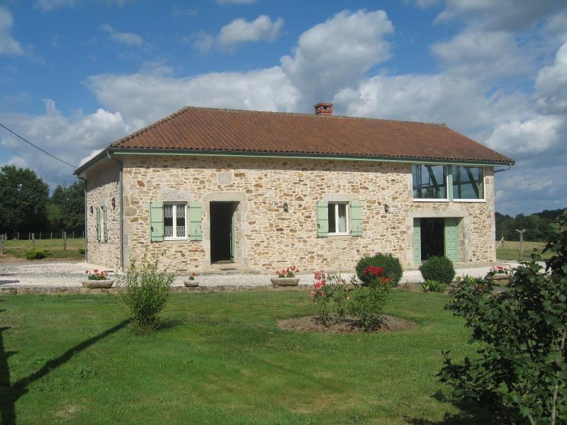 Vente maison / villa Nontron 378000€ - Photo 1
