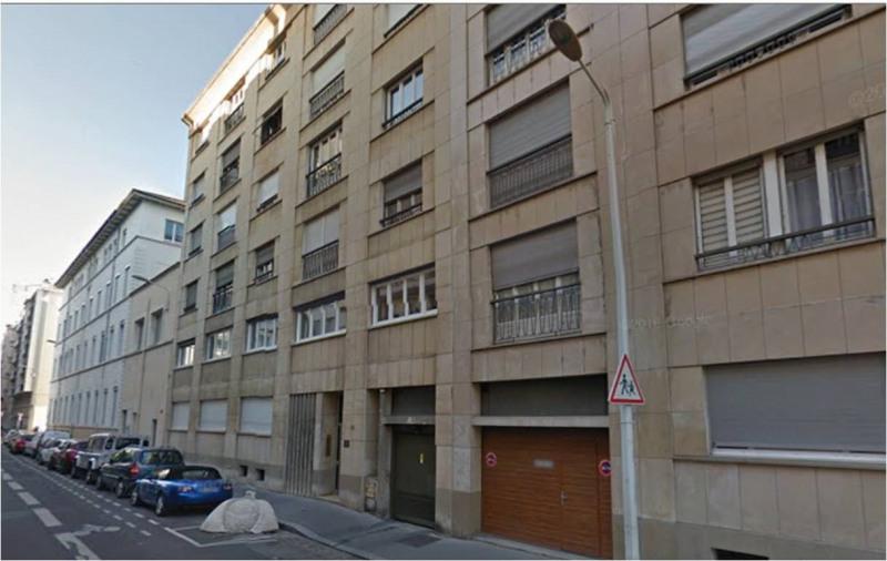 Rental parking spaces Lyon 6ème 130€ CC - Picture 1