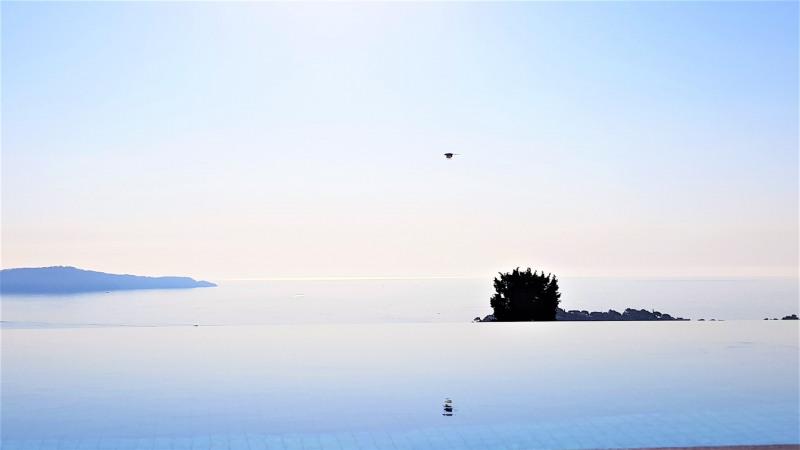 Vacation rental house / villa Cavalaire sur mer 4800€ - Picture 2