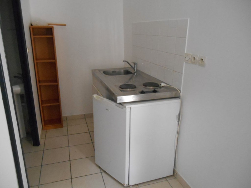 Rental apartment Saint quentin 285€ CC - Picture 3