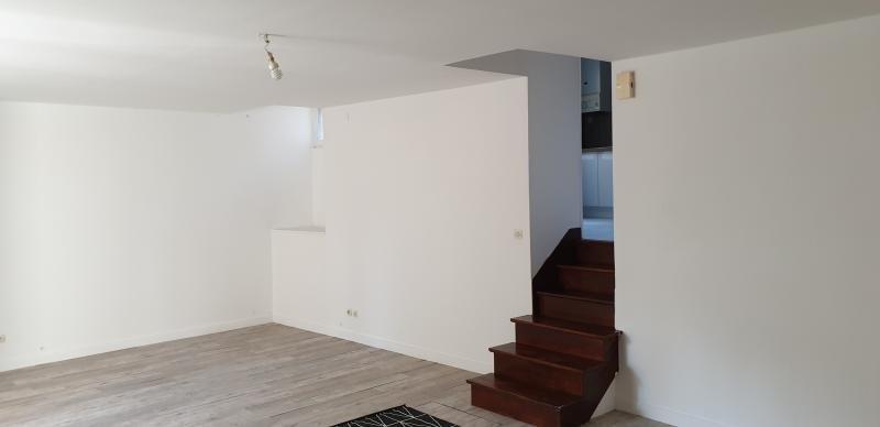 Location appartement Laval 615€ CC - Photo 3