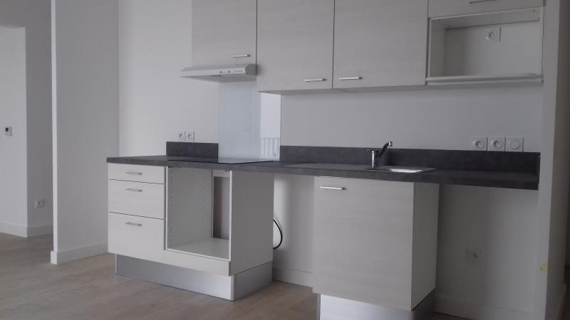 Location appartement Bordeaux 779€ CC - Photo 3
