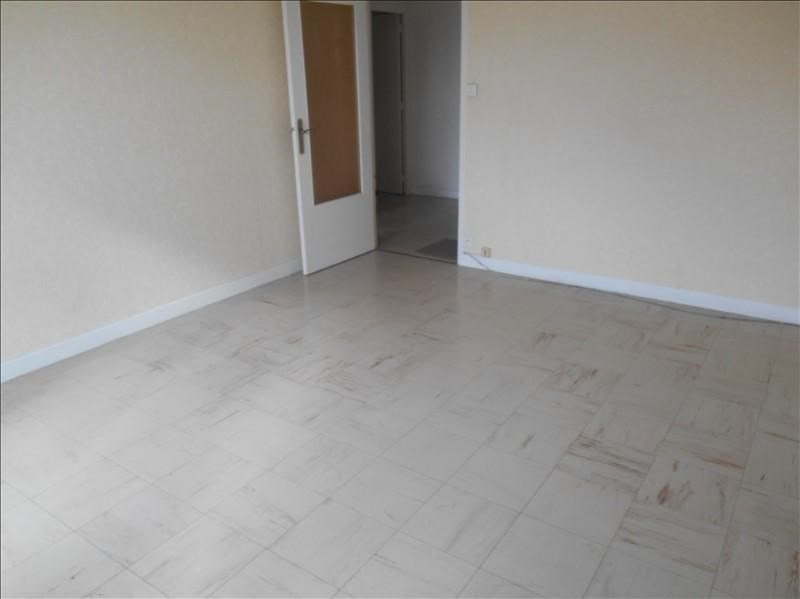 Location appartement Troyes 436€ CC - Photo 3
