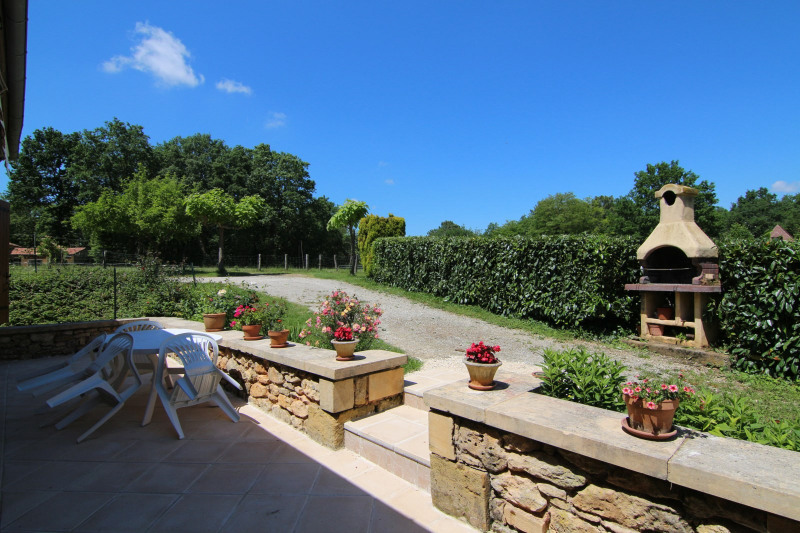 Sale house / villa Meyrals 380000€ - Picture 11