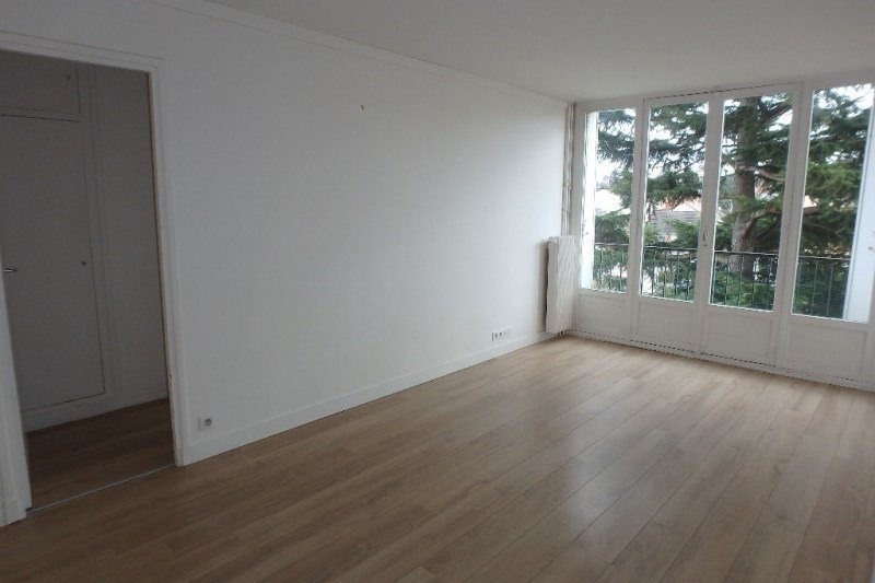 Rental apartment Viroflay 1132€ CC - Picture 2
