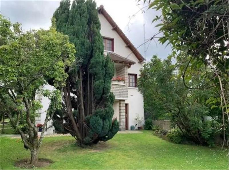 Deluxe sale house / villa Garches 1210000€ - Picture 1