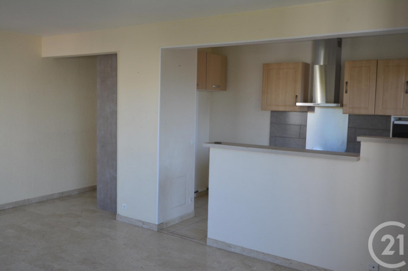 Location appartement Antibes 1 260€ CC - Photo 4