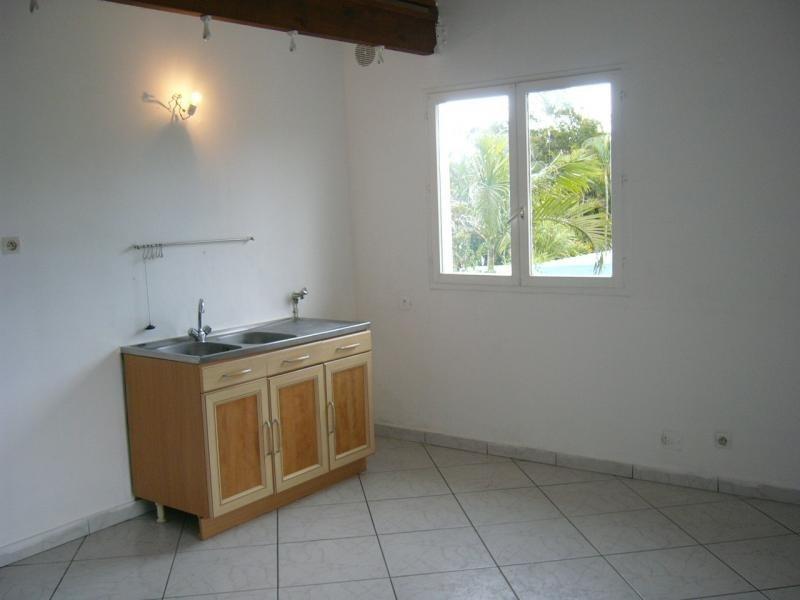 Rental apartment St gilles les bains 670€ CC - Picture 2