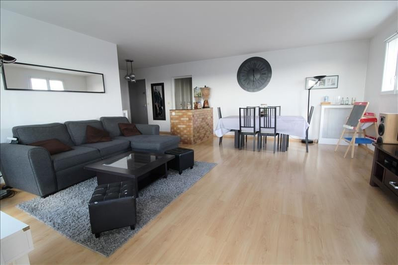 Sale apartment Maurepas 225500€ - Picture 1