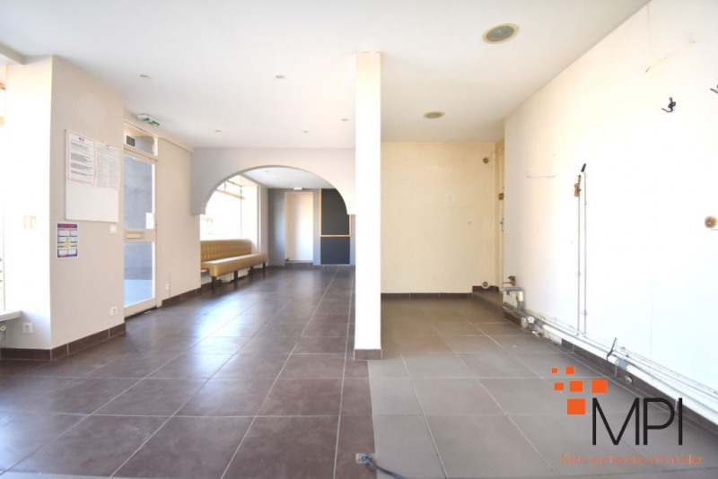 Rental building L hermitage 650€ HC - Picture 7