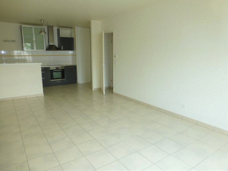Rental apartment Triel sur seine 900€ CC - Picture 2