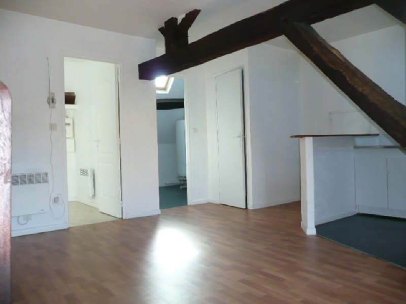 Rental apartment Aubigny sur nere 320€ CC - Picture 2