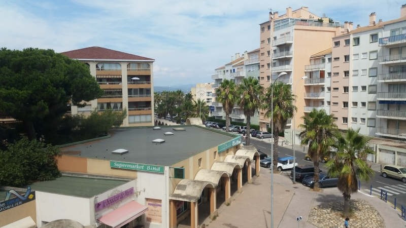Sale apartment Hyeres 130 000€ - Picture 2