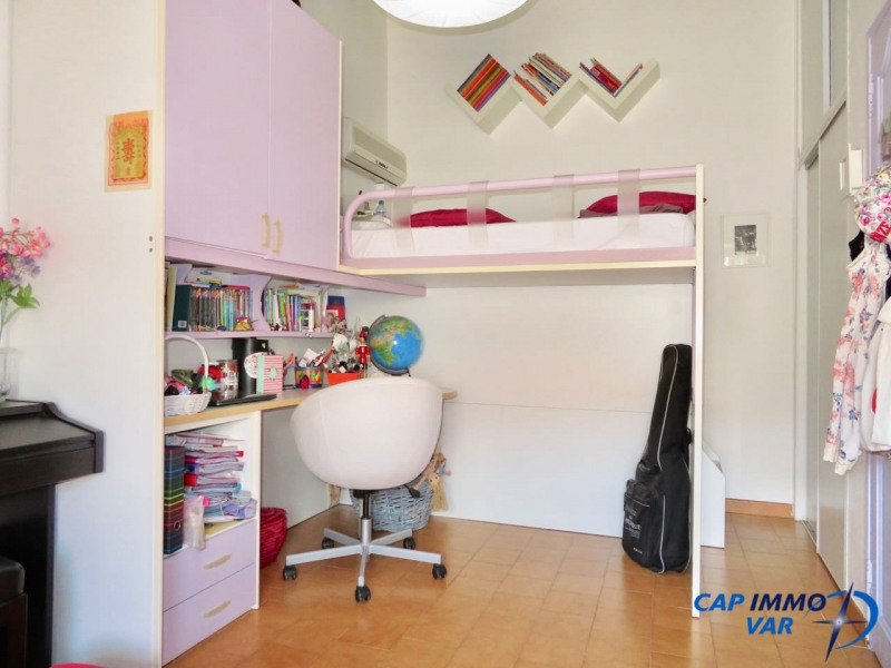 Sale apartment Le beausset 220 000€ - Picture 6