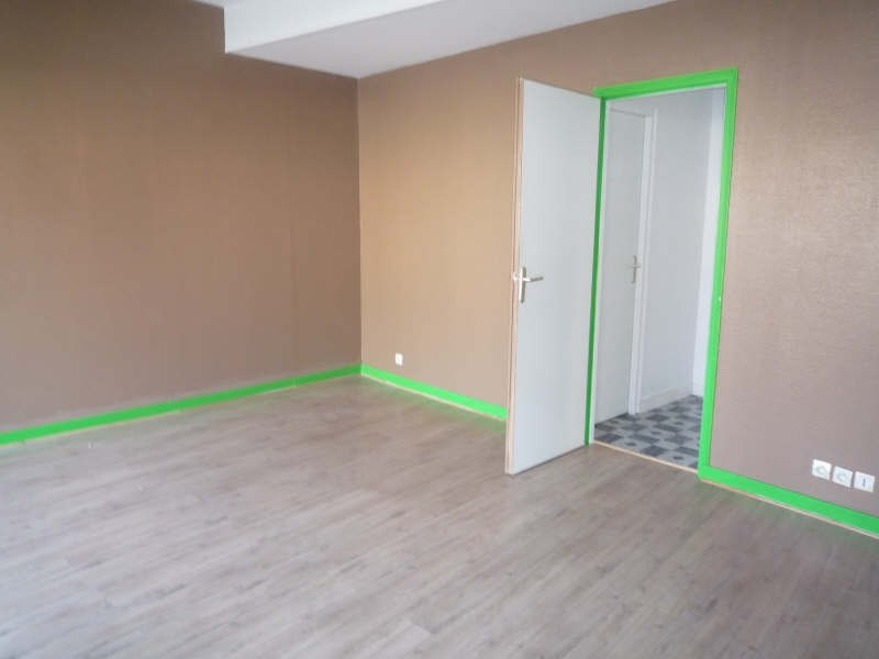 Location local commercial St maixent l ecole 323€ CC - Photo 2
