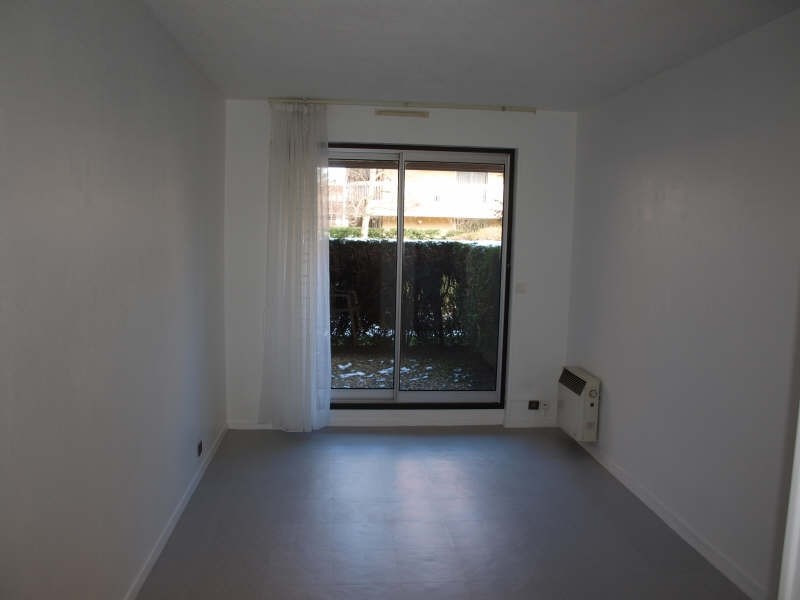 Location appartement Verrieres le buisson 515€ CC - Photo 2