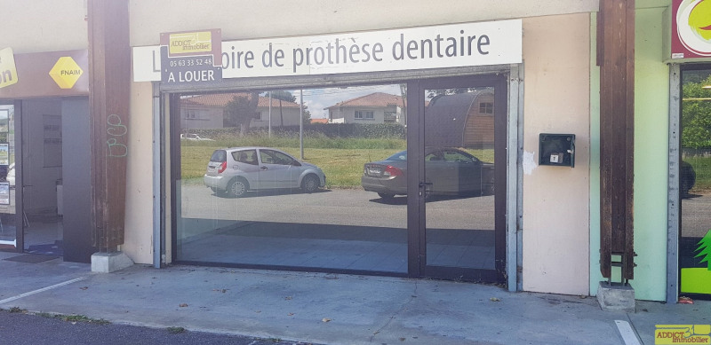 Location local commercial Garidech 568€ CC - Photo 1