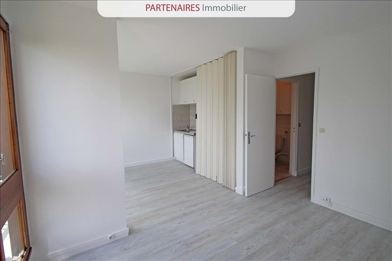 Rental apartment Le chesnay 667€ CC - Picture 4