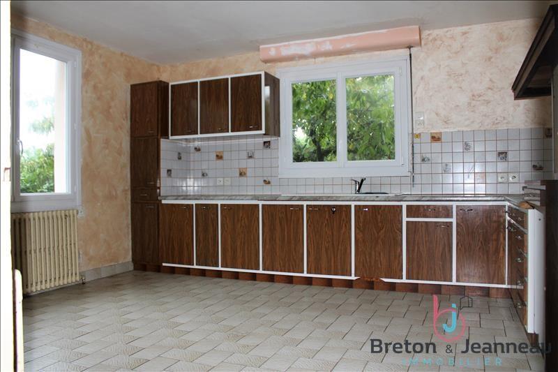 Sale house / villa Craon 176800€ - Picture 5