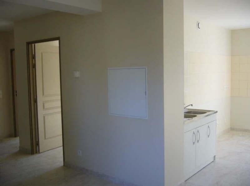 Rental apartment Ste genevieve 720€ CC - Picture 1