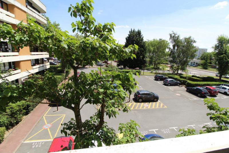Location appartement Elancourt 783€ CC - Photo 8