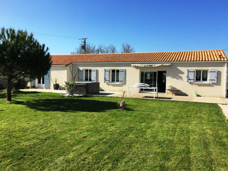 Sale house / villa Surgeres 178000€ - Picture 1