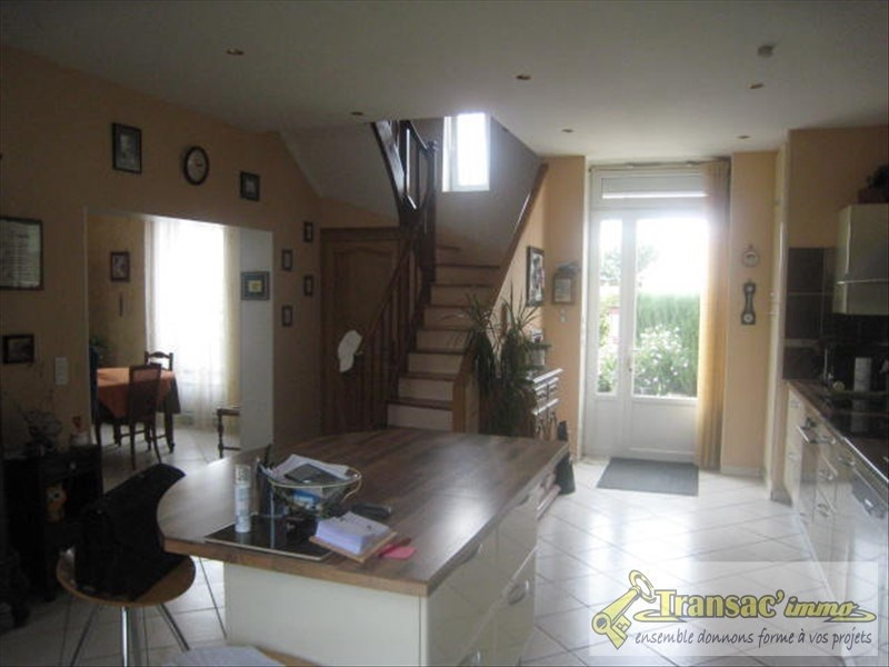 Sale house / villa Puy guillaume 191 700€ - Picture 4